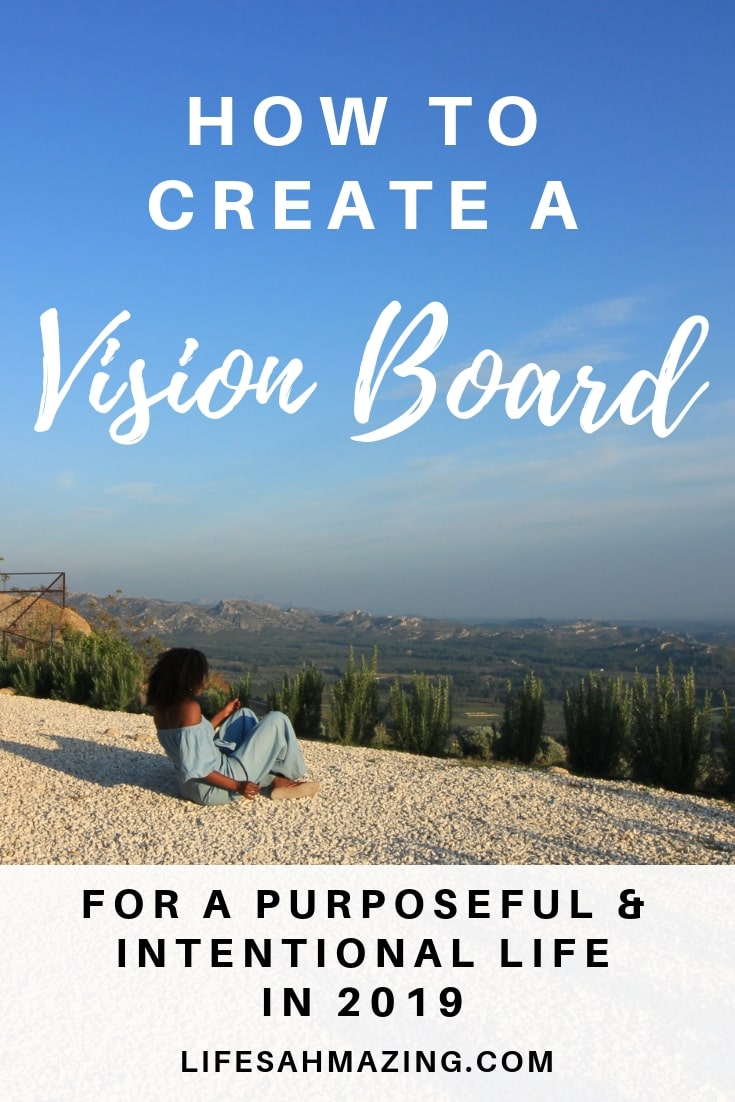Find out how to create a vision board for purposeful and intentional living.#visionboard #mindfulness #goalsetting