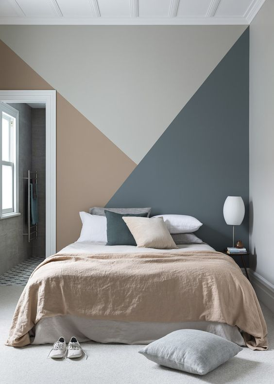 colour blocked accent wall for bedhead