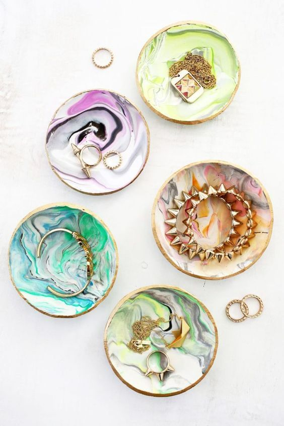 Stylish DIY Jewelry Organizers - DIY marble ring dishes